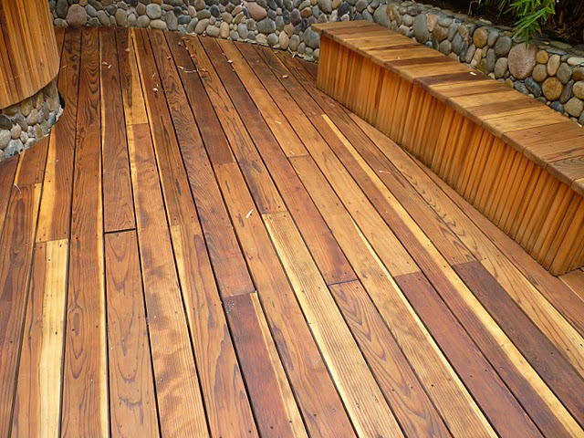 Video redwood vs plastic decking buy redwood for Redwood vs composite decking